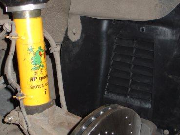 VW Golf IV 1.9TDI Powered by Sportmotor-podvozek HP Sporting, sportovní brzdy Ferodo DS Performance, sportovní děrované kotouče Zimmermann, zlepšení chlazení mezichladiče stlačeného vzduchu