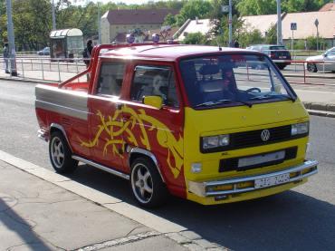 VW Bus s motorem TDI Powered by Sportmotor, mystrně vytuningované svým majitelem, žádné přeplácanosti, ale stylové auto (to co není vidět - upravený podvozek a brzdy).